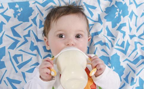 【育兒常識】何謂奶瓶性齲齒?